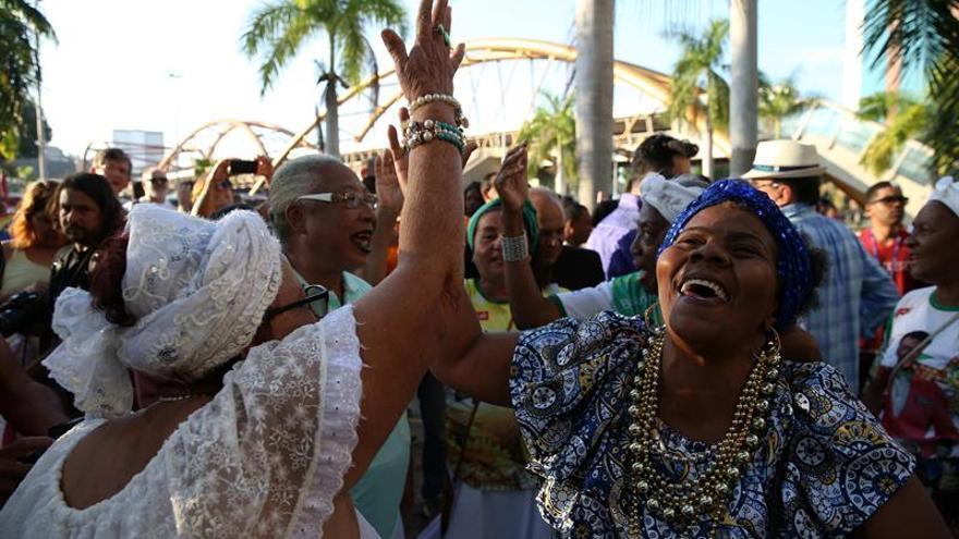 Escuelas de samba atraen poco apoyo tras la amenaza de dejar a Río sin Carnaval