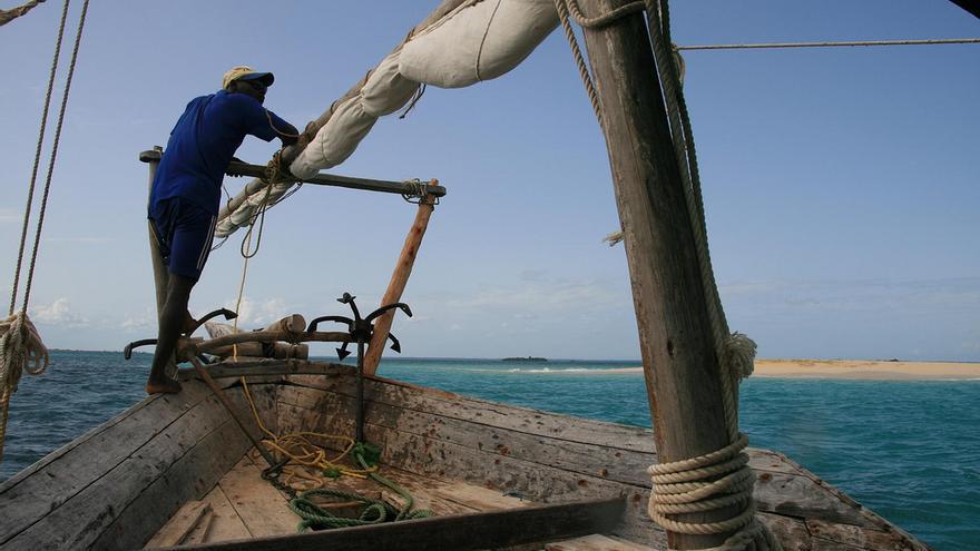 Travesía en un viejo Dohw, barco tradicional de Zanzíbar. Marc Veraart