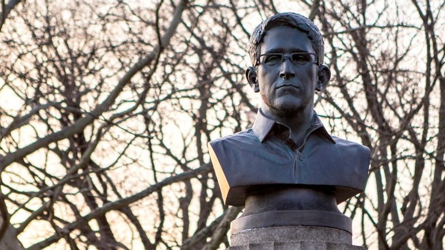 El busto de Snowden / Aymann Ismail/ANIMALNewYork