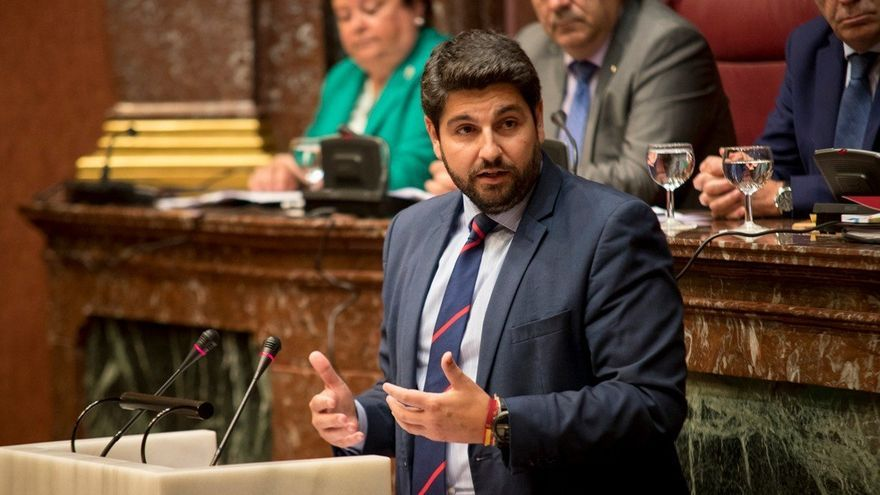 """López Miras (PP) pide a Cs y Vox que no se """"atrincheren"""" en sus posturas y que pueda ser investido presidente de Murcia"""