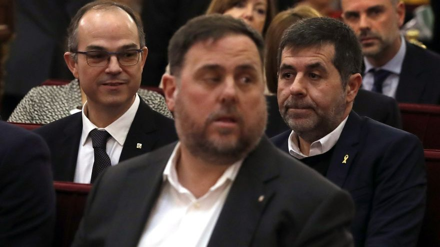 Junqueras, en el banquillo de los acusados, junto al resto de líderes juzgados