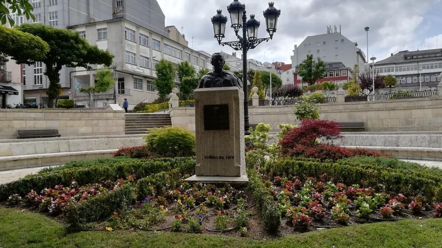 Nuevo busto de Fraga instalado esta semana en la alameda de Vilalba (Lugo), su pueblo natal