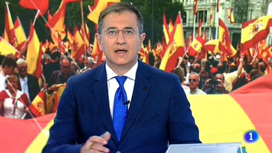 """El Telediario de Carreño oculta el """"Cara al sol"""" de la manifestación en Cibeles contra el referéndum"""