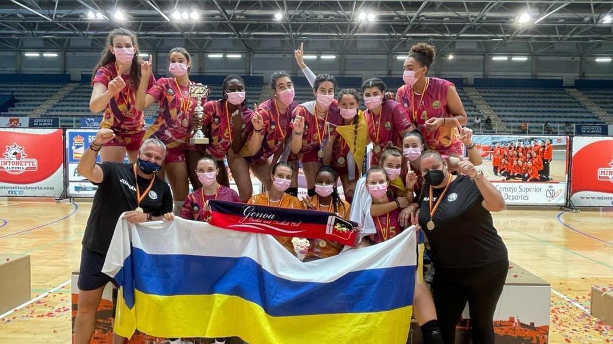 Las jugadoras grancanarias celebrando su victoria.