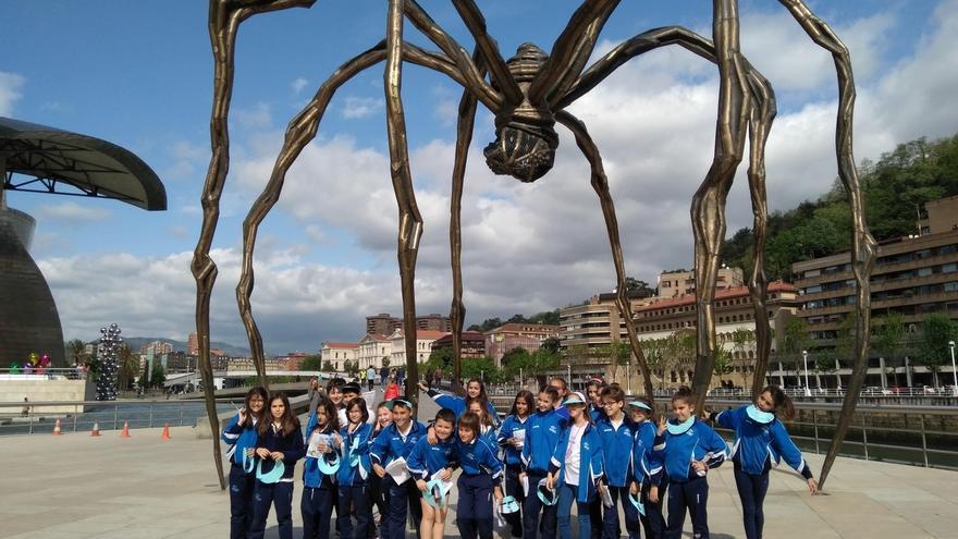 Estudiantes de Bilbao difundirán el lunes entre los turistas el patrimonio cultural y gastronómico