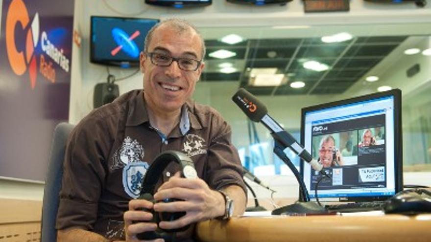 Kiko Barroso, presentador de 'Roscas y cotufas'. (RTVC)