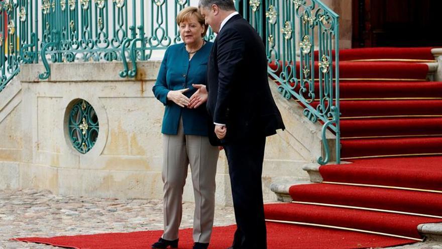 Merkel y Macron quieren retomar su rol mediador en el conflicto de Ucrania