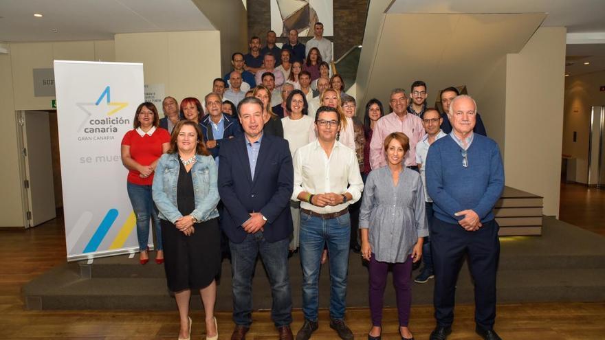 Primer Foro Municipal de CC en Gran Canaria con los alcaldes de San Mateo (Antonio Ortega de Avesan) y Mogán (Onalia Bueno, Ciuca) en primera línea