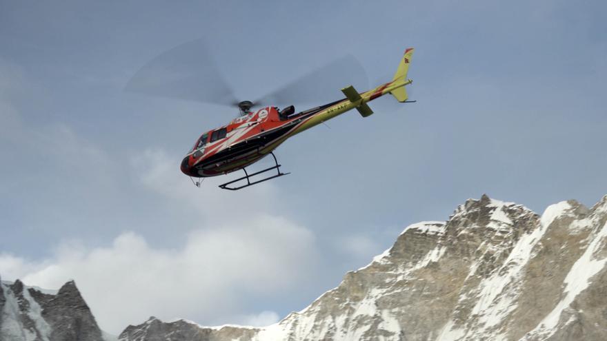 Evacuación de Carlos Rubio en helicóptero.
