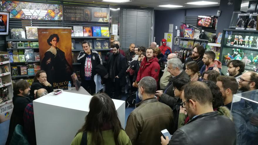 Los autores de 'El Buscón en las Indias' en la librería Nostromo de Sevilla
