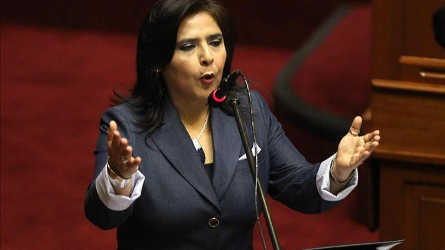 """La primera ministra de Perú afirma que está siendo sometida a un """"juicio político"""""""