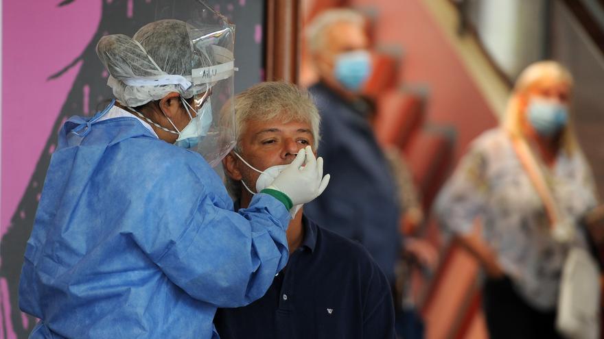 Argentina reporta 13.043 nuevos casos de covid-19 y 268 fallecimientos