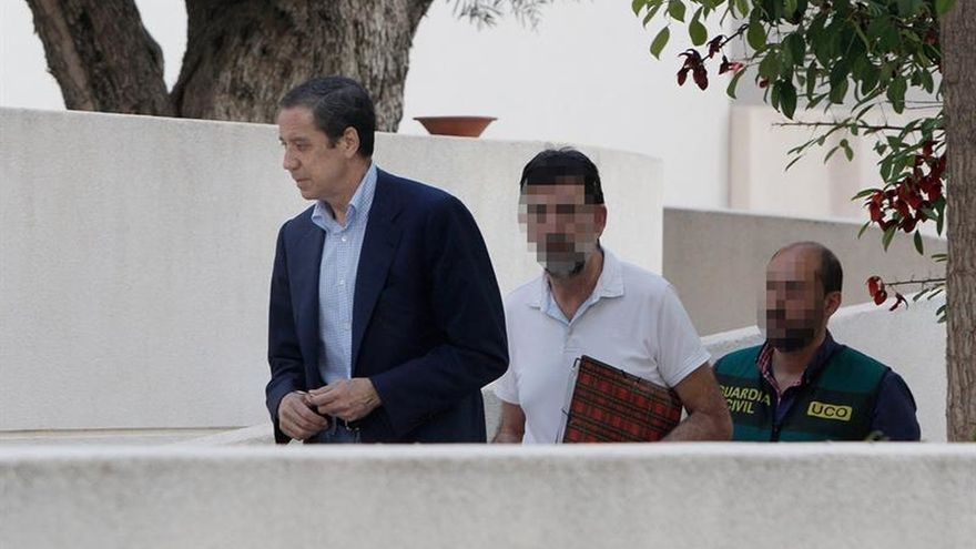 La UCO sigue los registros en la operación Erial tras la detención de Zaplana