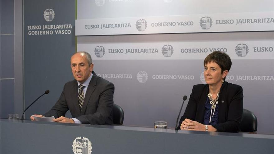 El Gobierno Vasco y los partidos fijan plazos para la reforma fiscal y atajar el fraude
