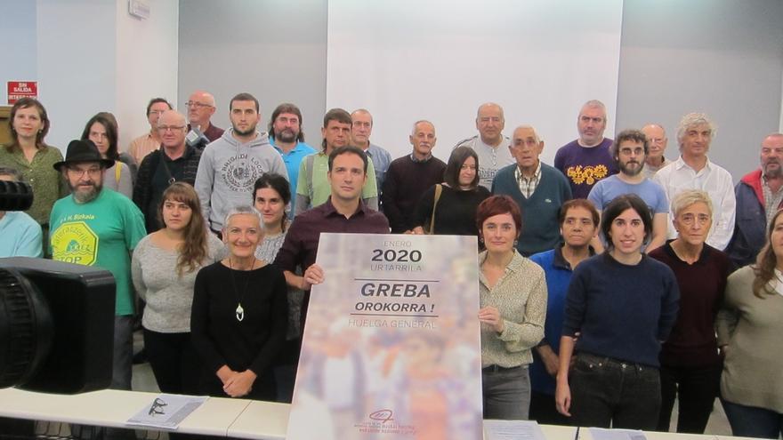 """Sindicatos nacionalistas y colectivos sociales llaman este jueves a la huelga general por """"trabajos y pensiones dignas"""""""