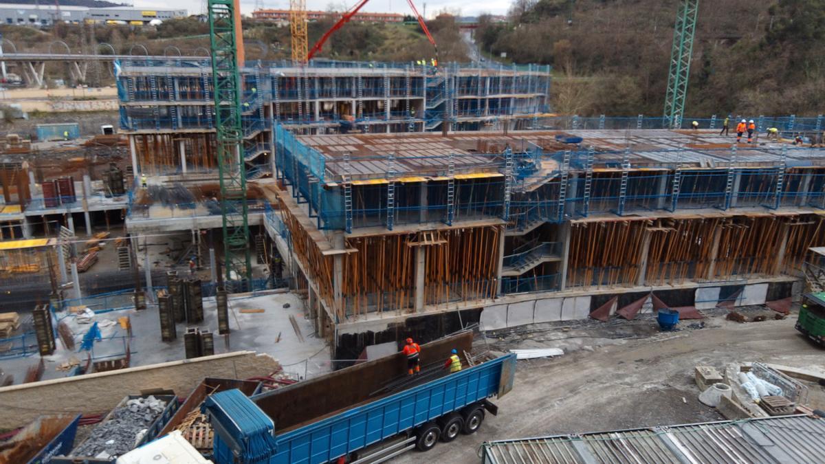 Obras de construcción de viviendas en Bilbao