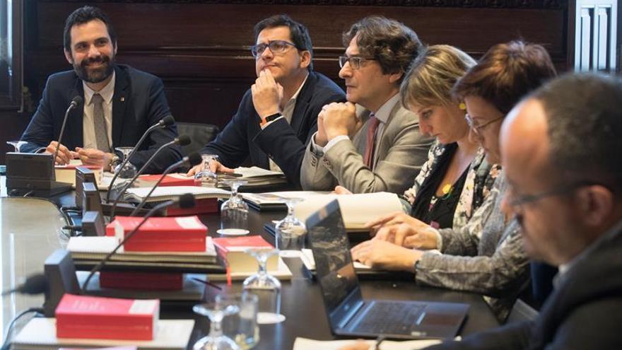 JxC y ERC tumban petición Cs para que Parlament no se querelle contra Llarena