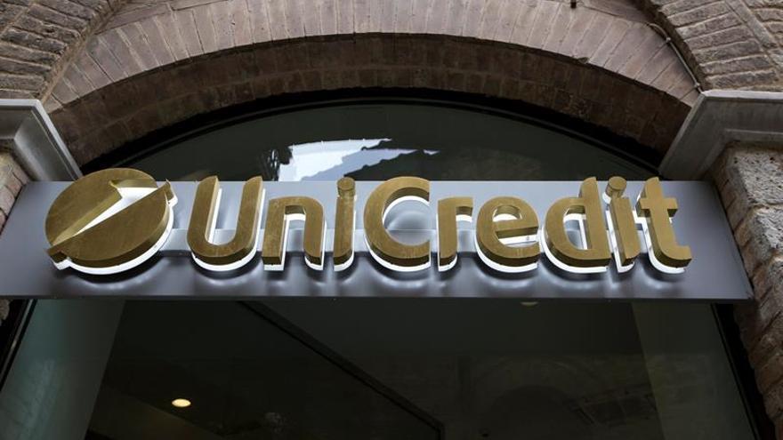 Unicredit registra ataque informático con acceso a datos de 400.000 clientes