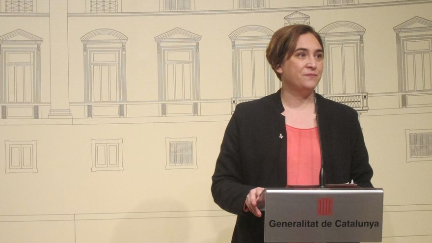 Colau comparece ante los medios desde el Palau de la Generalitat tras el encuentro con Puigdemont