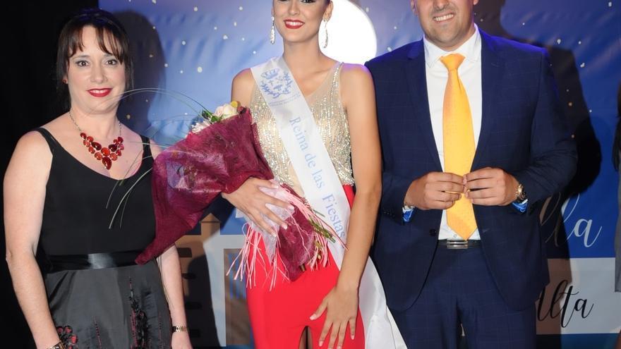 La Reina de las Fiestas de San Pedro 2019 junto a Jonathan Felipe y Patricia Ayut.