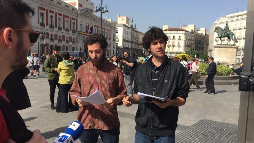 Pedro (izquierda) y Juanma (derecha) en Sol.