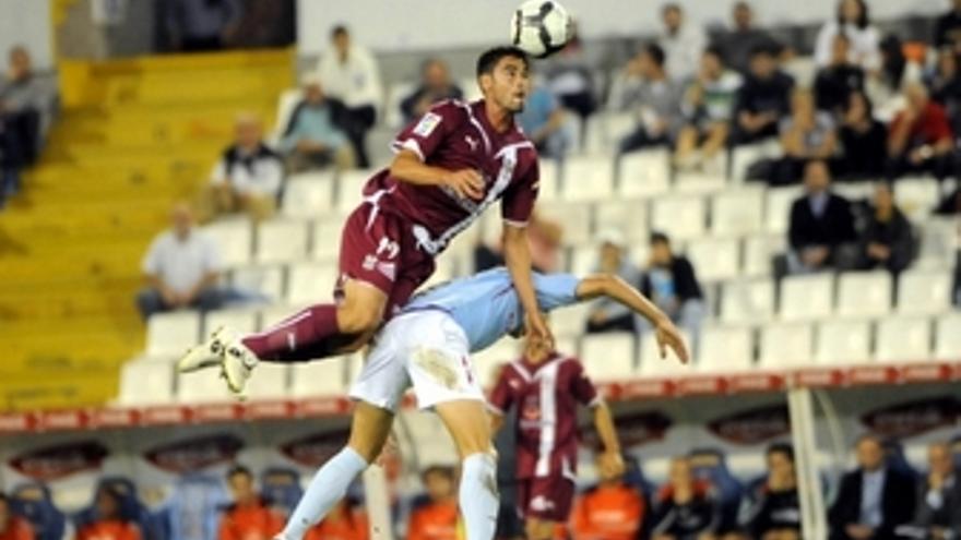 Un error de Yoel da aire al CD Tenerife en la Copa del Rey