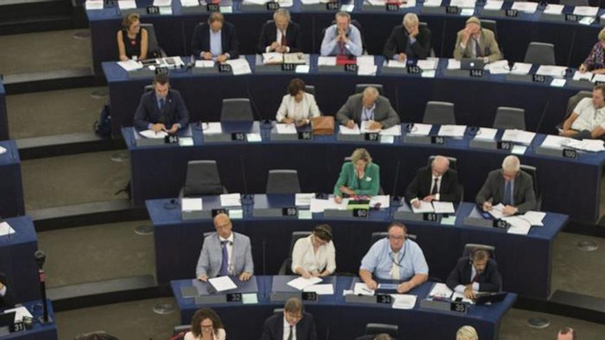 La Eurocámara acoge las propuestas de Juncker, a excepción de los euroescépticos