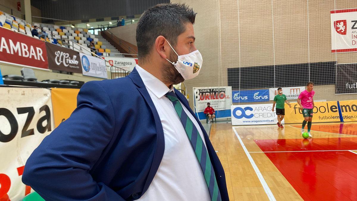 Josan González, en el duelo con el Emotion Zaragoza.