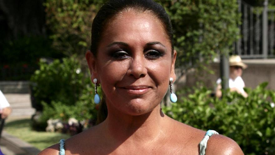 """La boda que 'casará' a Isabel Pantoja con sus """"enemigos"""" de Telecinco"""