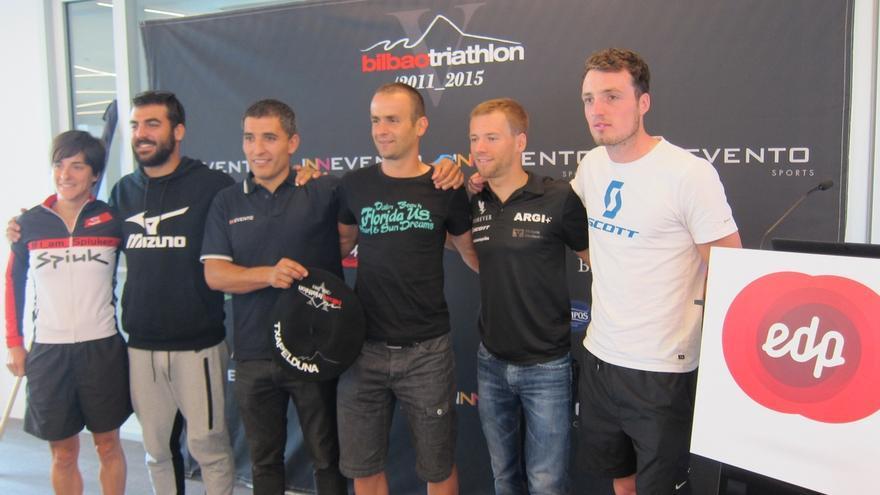 Más de medio millar de triatletas participan este sábado en la quinta edición del Bilbao Triathlon