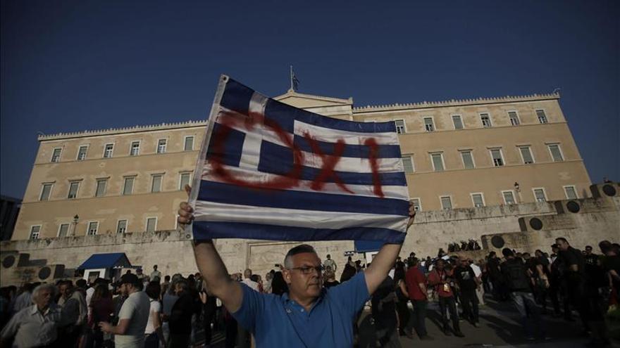 """Miles de griegos se manifiestan en favor del """"no"""" en el referéndum"""
