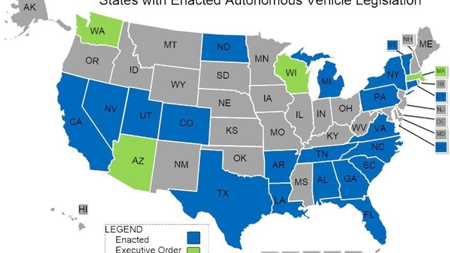 Más de una veintena de estados de Estados Unidos han regulado ya la circulación de vehículos sin conductor