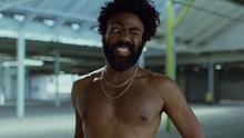 """Donald Glover imitando la cara de un personaje del cómic The Boondocks, una de las referencias ocultas de su videoclip """"This is America"""""""