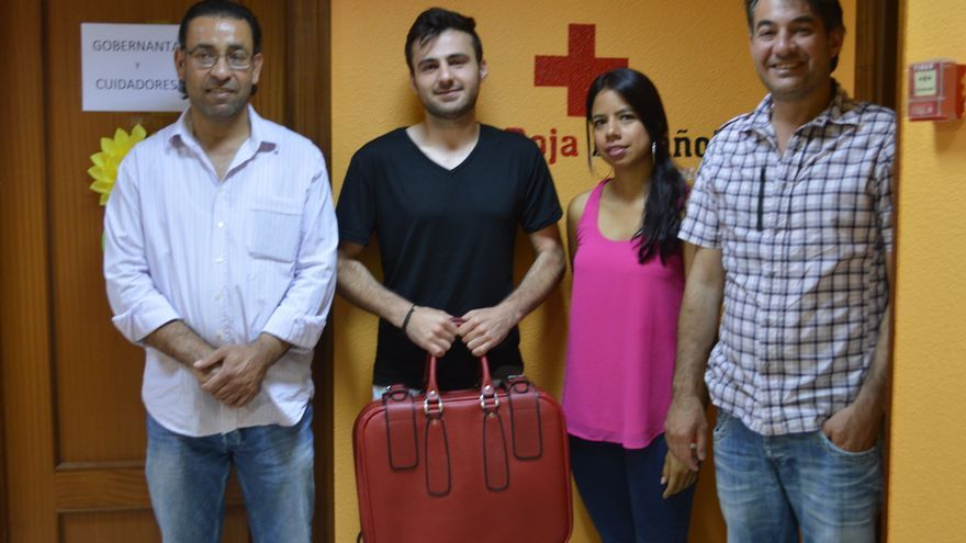Imad, Ahmad, Lorena y Milad, refugiados acogidos por el Centro de Extranjeros de la Cruz Roja de Torrelavega. | SARA AJA