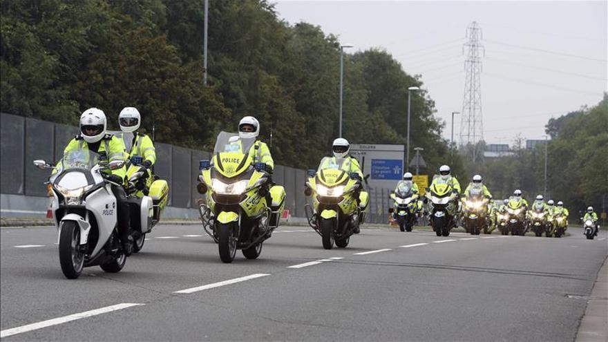 La Policía británica podrá confiscar los sueldos de los inmigrantes ilegales