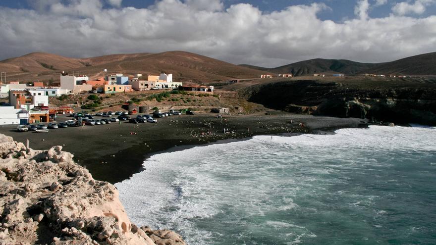 Playa de Ajuy, uno de los espacios naturistas de la costa de Fuerteventura.