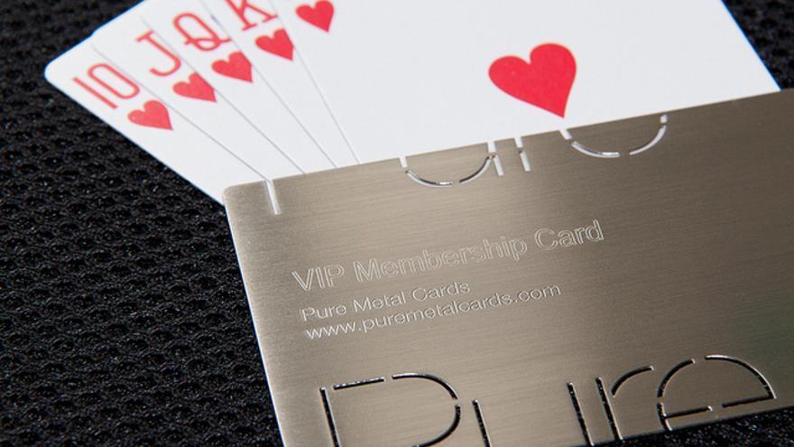 Los altos impuestos y el mercado cerrado motivan a los jugadores a marcharse (Pure Metal Cards | Flickr)