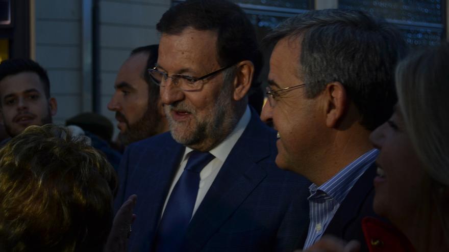 Rajoy, el jueves, durante su paseo por Málaga / N.C.