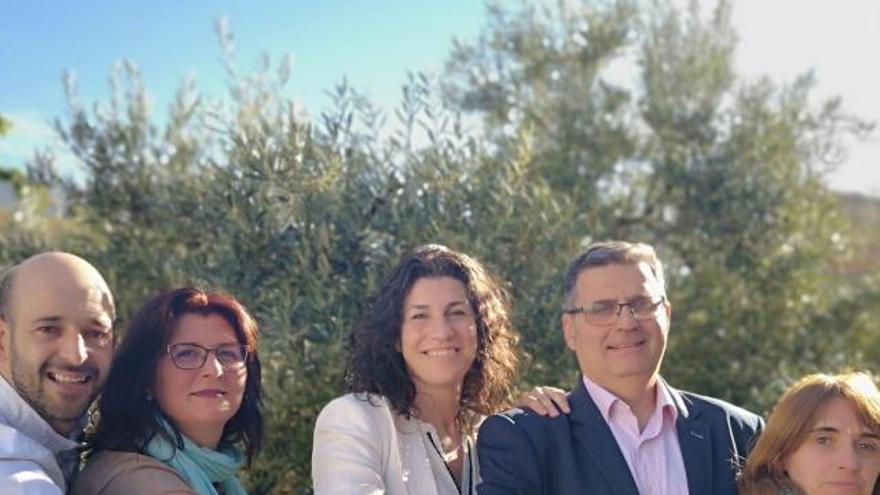 En el centro, la que será nueva alcaldesa Helena Fernández Castro