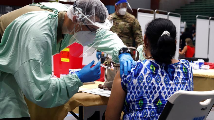 La OMS advierte que el Caribe no podrá reabrir sin vacunación