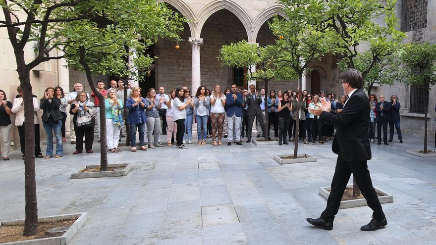 """Puigdemont antes de presidir el Consell Executiu:""""¡Firmes y decididos!"""""""