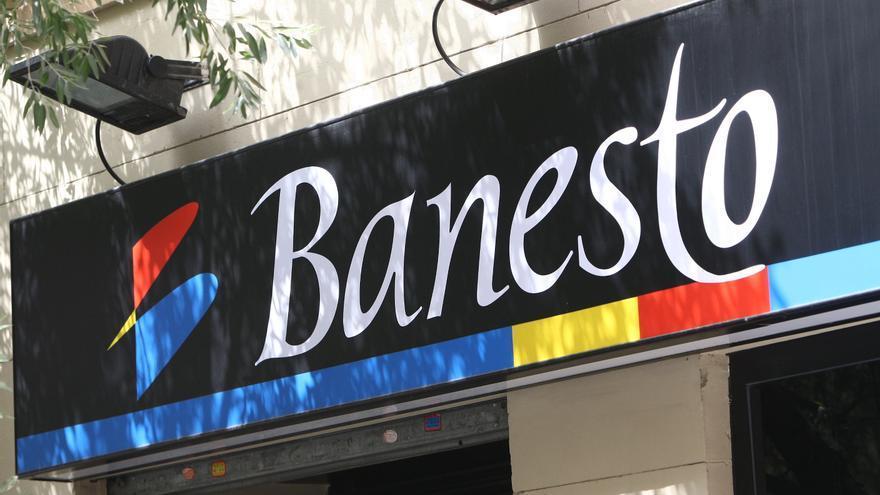 Santander y sindicatos de Banesto buscan alcanzar un acuerdo de garantías de empleo ante la fusión
