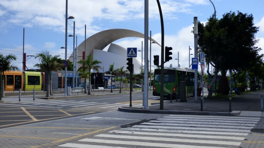 Acceso al Intercambiador de Santa Cruz desde la parada del tranvía