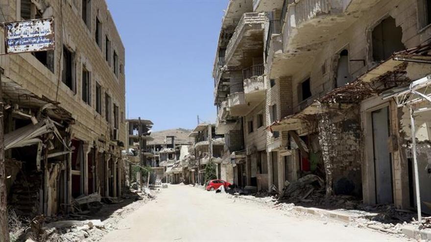 Ejército sirio bombardea Deraa horas antes del alto el fuego