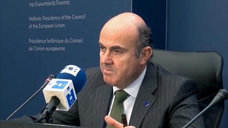 De Guindos dice que la economía crecerá un 1,5 por ciento en 2014 y 2015 de media