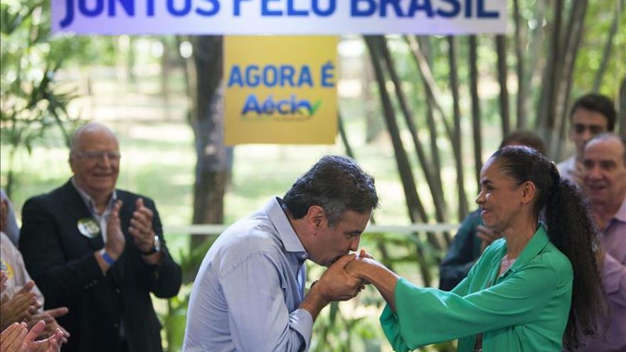 Abrazo de Marina Silva a Neves inaugura inédita alianza política contra el PT