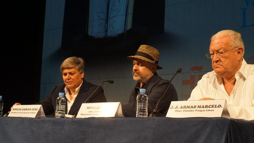 Noelia García, Nicolás Melini y J.J. Armas Marcelo este martes en Madrid.