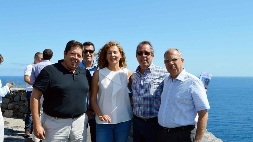 Juan Ramón Pérez Ramos, Ornella Chacón, Pedro Negrín y Casimiro Curbelo hoy en el Mirador de la Punta de Hermigua