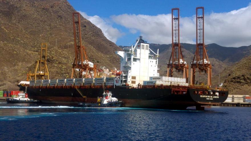 El buque Seaspan Rio de Janeiro, en el Puerto de Tenerife.