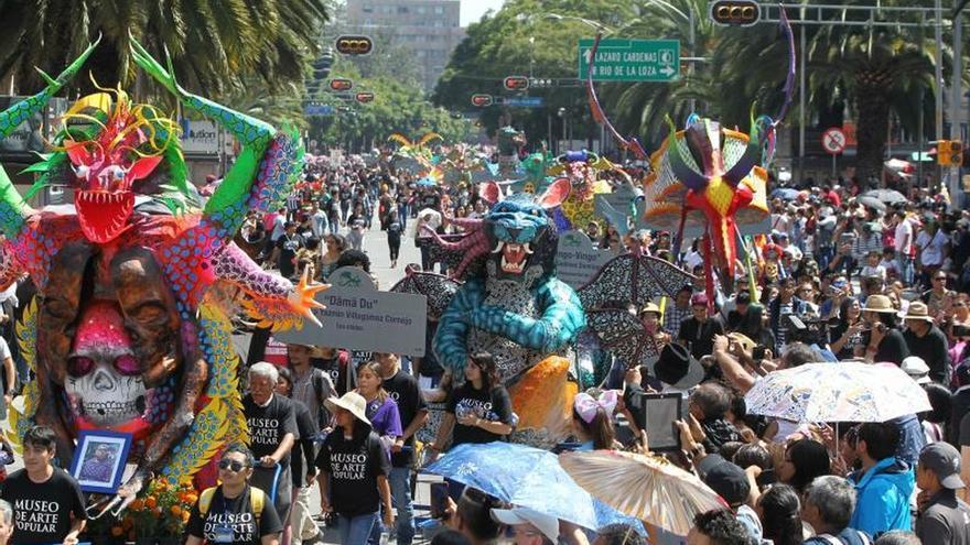 Un desfile fantástico de 231 alebrijes reúne a 40.000 personas en México